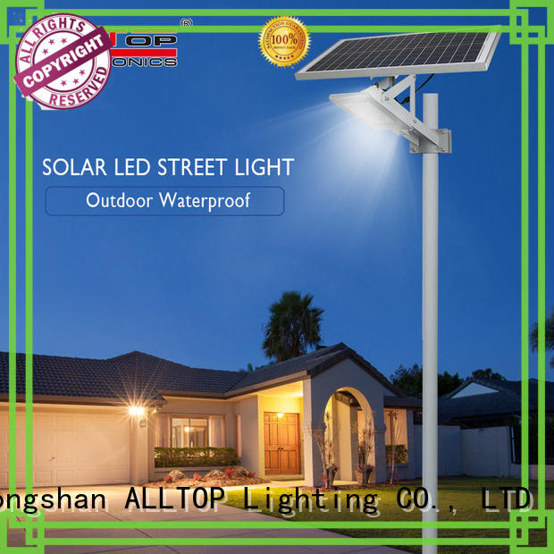 energy-saving solar led street lamp shining rightness for playground